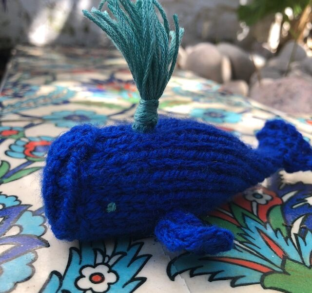 a knitted whale project by Buttonbag
